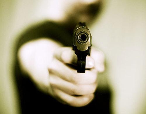Non piangere, spara